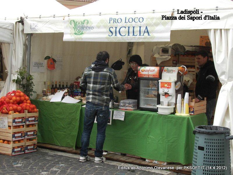 32%29_Stand_della_Sicilia.JPG